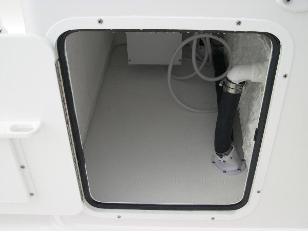 Gamefish 27 Forward Seat Photo 29
