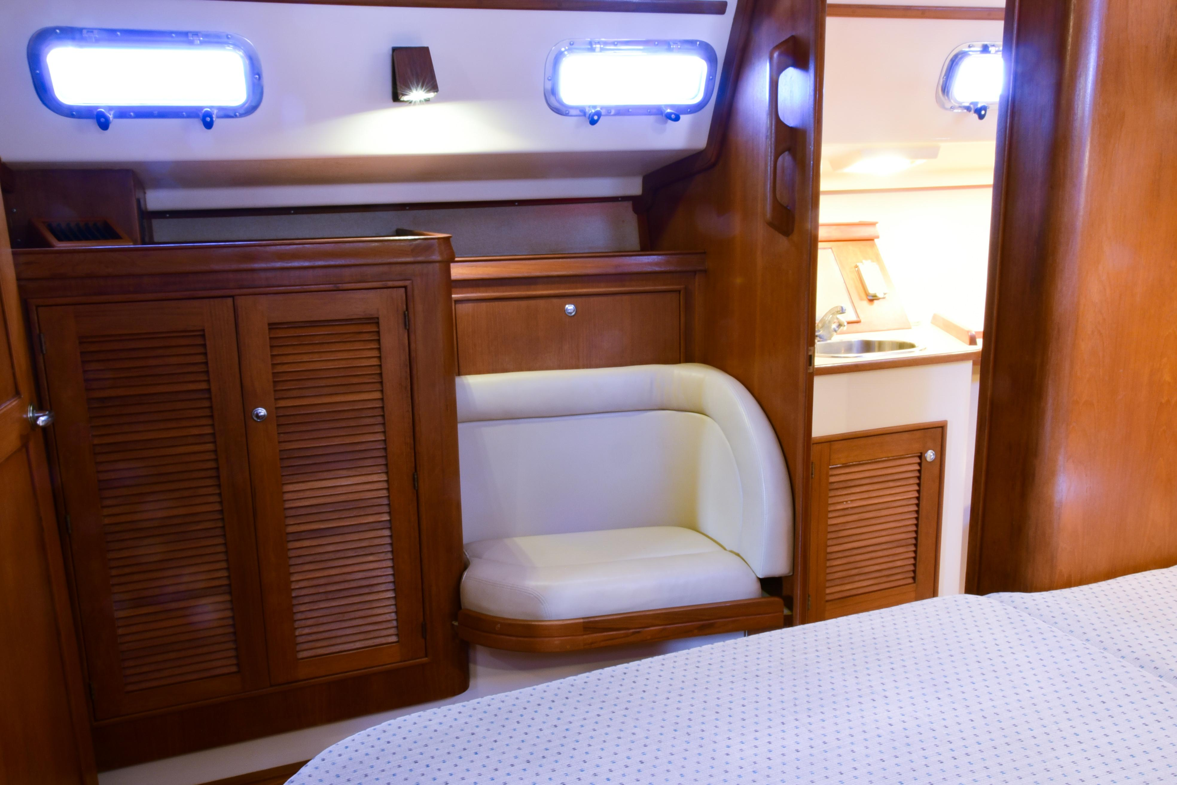 FWD CABIN TO PORT