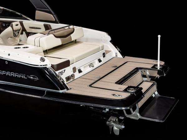 2021 Chaparral boat for sale, model of the boat is 267 SSX & Image # 7 of 8