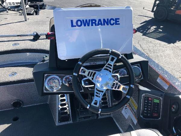 2019 Ranger Boats boat for sale, model of the boat is Z520L & Image # 2 of 10