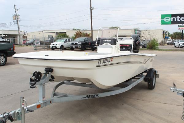 2021 Mako boat for sale, model of the boat is Pro Skiff 17 CC & Image # 3 of 16