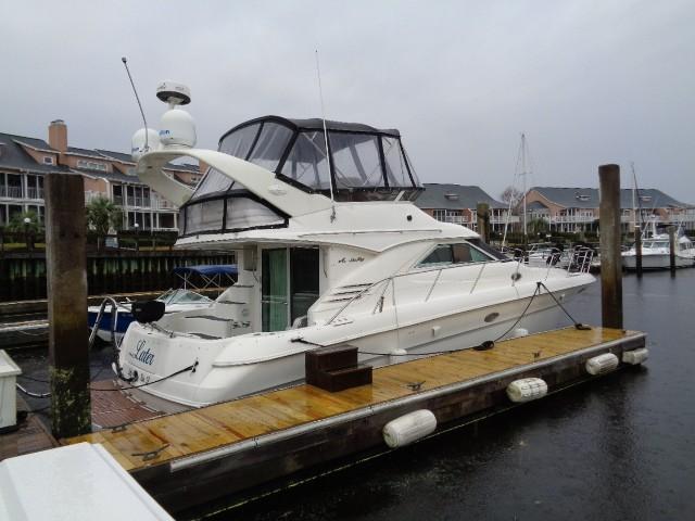 Sea Ray 400 Sedan Bridge - Starboard View