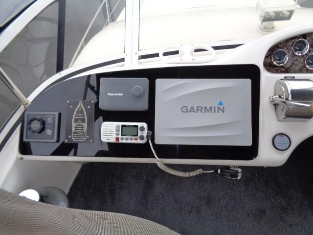 Sea Ray 400 Sedan Bridge - Helm Port