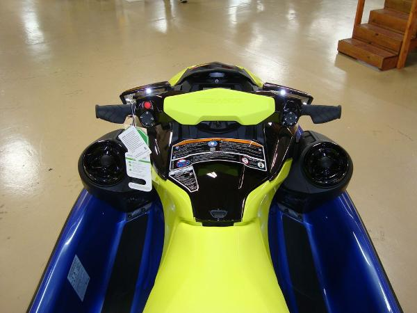 2021 Sea Doo PWC boat for sale, model of the boat is WAKE 170 W/S & Image # 3 of 9