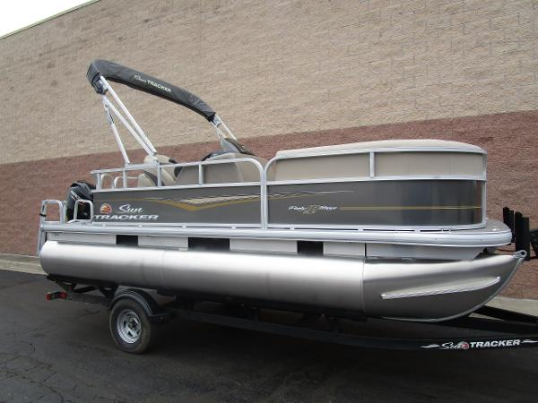 2021 Sun Tracker boat for sale, model of the boat is Party Barge 18 DLX & Image # 2 of 29