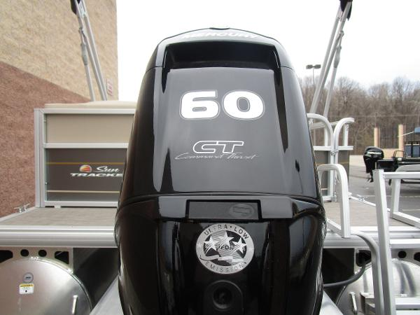2021 Sun Tracker boat for sale, model of the boat is Party Barge 18 DLX & Image # 7 of 29