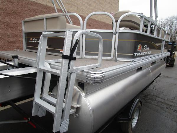 2021 Sun Tracker boat for sale, model of the boat is Party Barge 18 DLX & Image # 9 of 29