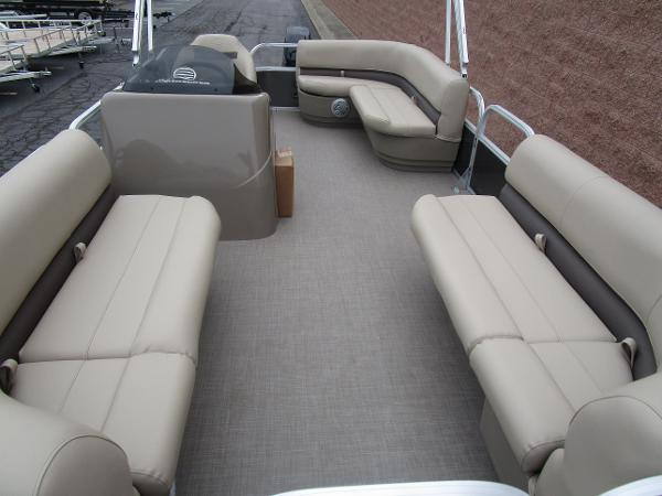 2021 Sun Tracker boat for sale, model of the boat is Party Barge 18 DLX & Image # 11 of 29