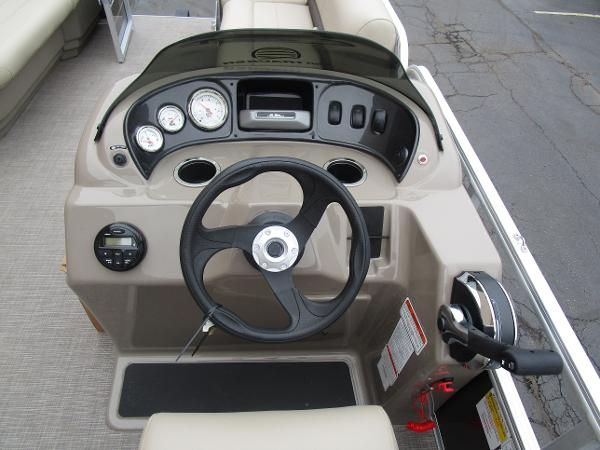 2021 Sun Tracker boat for sale, model of the boat is Party Barge 18 DLX & Image # 23 of 29