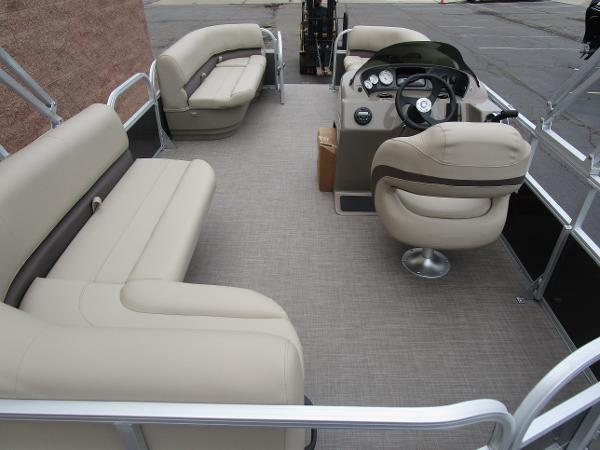 2021 Sun Tracker boat for sale, model of the boat is Party Barge 18 DLX & Image # 28 of 29