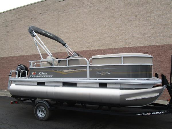 2021 Sun Tracker boat for sale, model of the boat is Party Barge 18 DLX & Image # 29 of 29