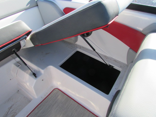 2019 Regal boat for sale, model of the boat is 1900 Surf & Image # 8 of 26
