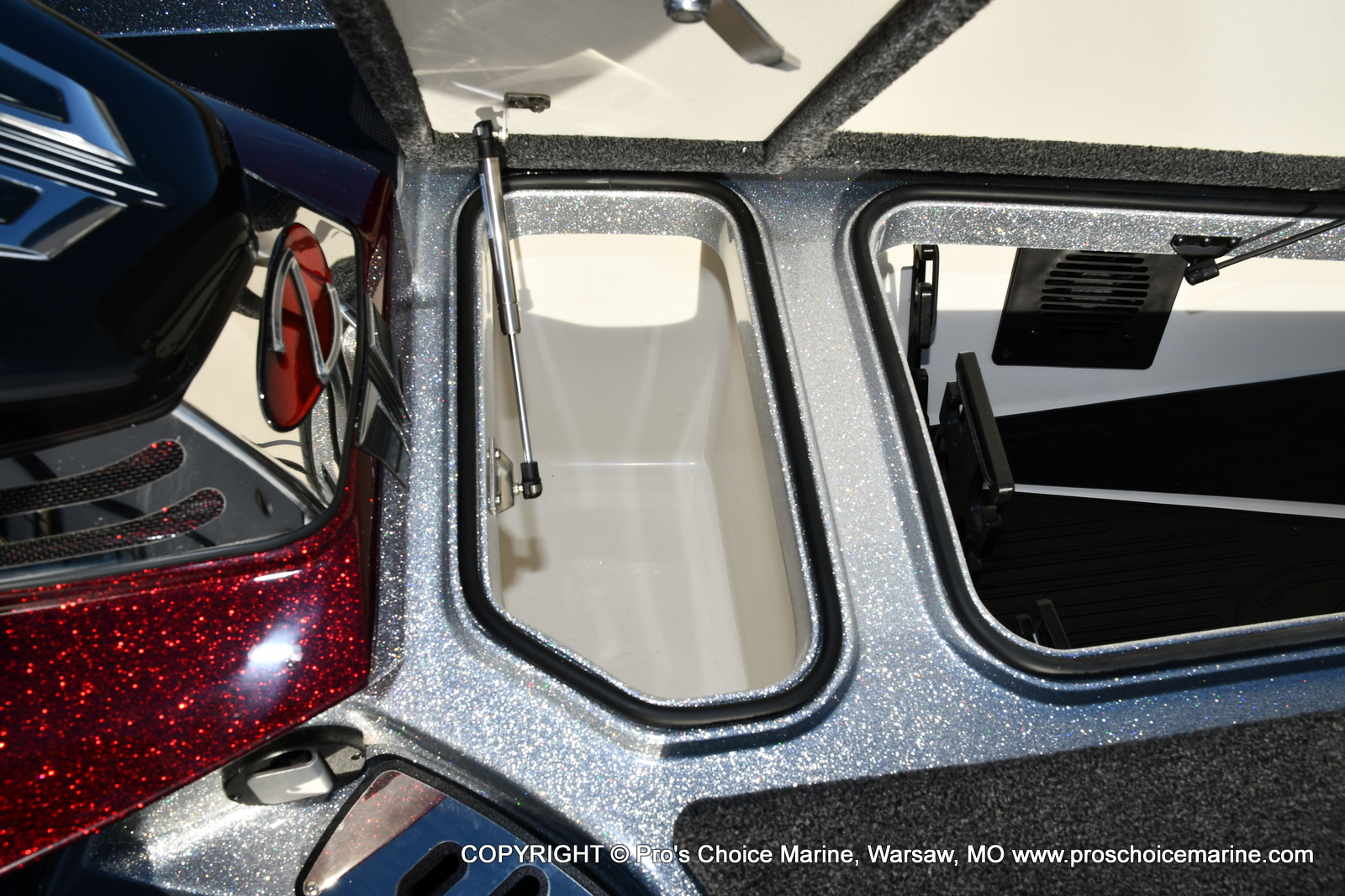 2021 Ranger Boats boat for sale, model of the boat is Z521C Ranger Cup Equipped DUAL CONSOLE & Image # 11 of 50