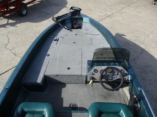 1995 Ranger Boats boat for sale, model of the boat is 354V & Image # 9 of 10