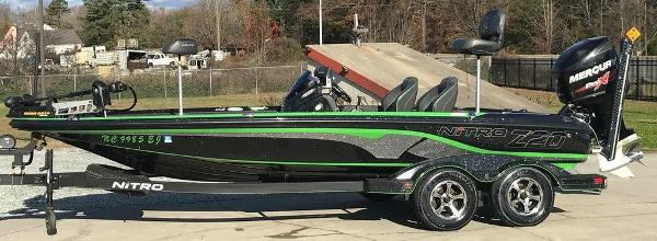 2018 Nitro boat for sale, model of the boat is Z20 & Image # 1 of 11