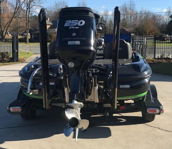 2018 Nitro boat for sale, model of the boat is Z20 & Image # 2 of 11