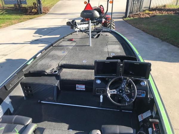 2018 Nitro boat for sale, model of the boat is Z20 & Image # 6 of 11