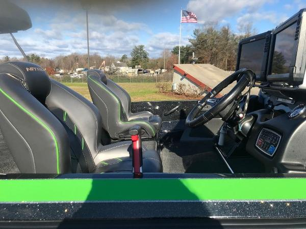 2018 Nitro boat for sale, model of the boat is Z20 & Image # 8 of 11