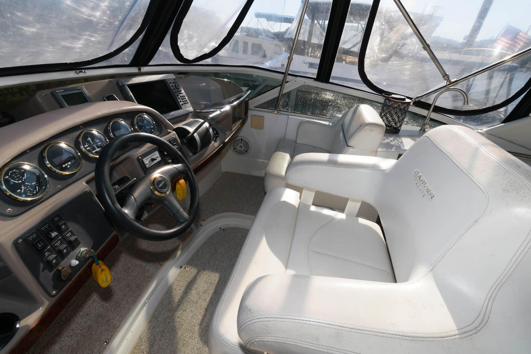 M 5767 TW Knot 10 Yacht Sales