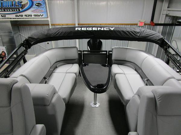 2021 Regency boat for sale, model of the boat is 230 DL3 & Image # 36 of 54