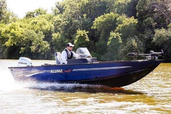 2021 Alumacraft boat for sale, model of the boat is Classic 165 CS & Image # 2 of 14