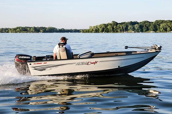 2021 Alumacraft boat for sale, model of the boat is Classic 165 & Image # 2 of 11