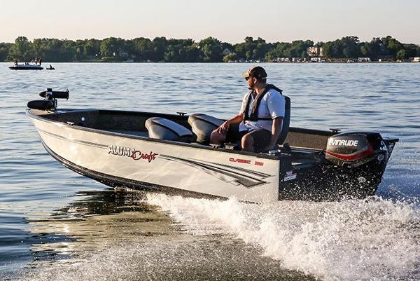 2021 Alumacraft boat for sale, model of the boat is Classic 165 & Image # 1 of 11