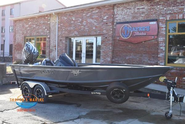 2020 Lund boat for sale, model of the boat is 2075 Pro-V Bass Bench Seating & Image # 1 of 103