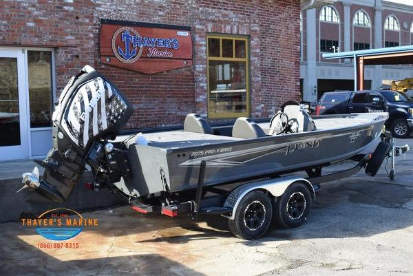 2020 Lund boat for sale, model of the boat is 2075 Pro-V Bass Bench Seating & Image # 11 of 103