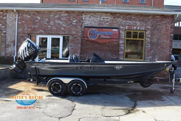 2020 Lund boat for sale, model of the boat is 2075 Pro-V Bass Bench Seating & Image # 12 of 103