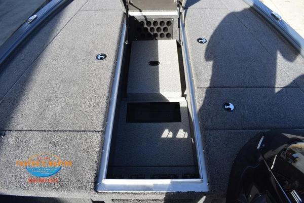 2020 Lund boat for sale, model of the boat is 2075 Pro-V Bass Bench Seating & Image # 24 of 103