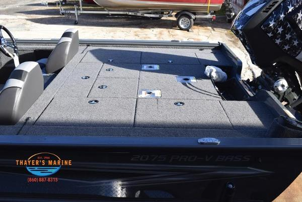 2020 Lund boat for sale, model of the boat is 2075 Pro-V Bass Bench Seating & Image # 34 of 103