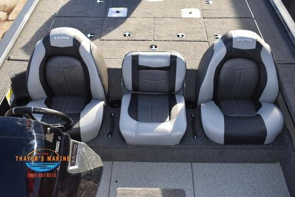 2020 Lund boat for sale, model of the boat is 2075 Pro-V Bass Bench Seating & Image # 43 of 103