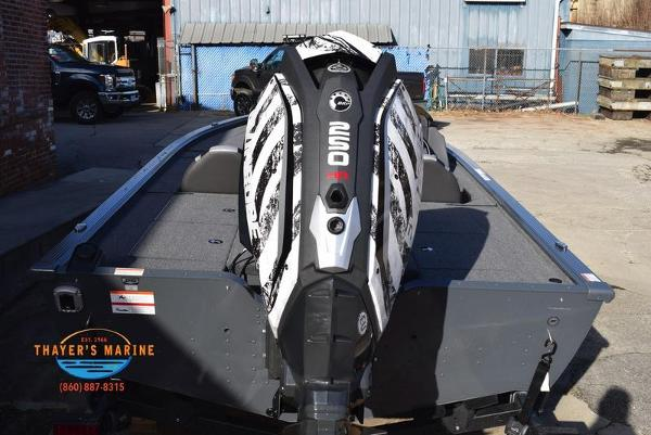 2020 Lund boat for sale, model of the boat is 2075 Pro-V Bass Bench Seating & Image # 48 of 103