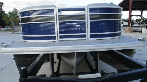 2021 Bennington boat for sale, model of the boat is 23 LSB & Image # 6 of 45