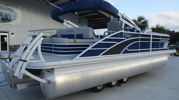 2021 Bennington boat for sale, model of the boat is 23 LSB & Image # 4 of 45