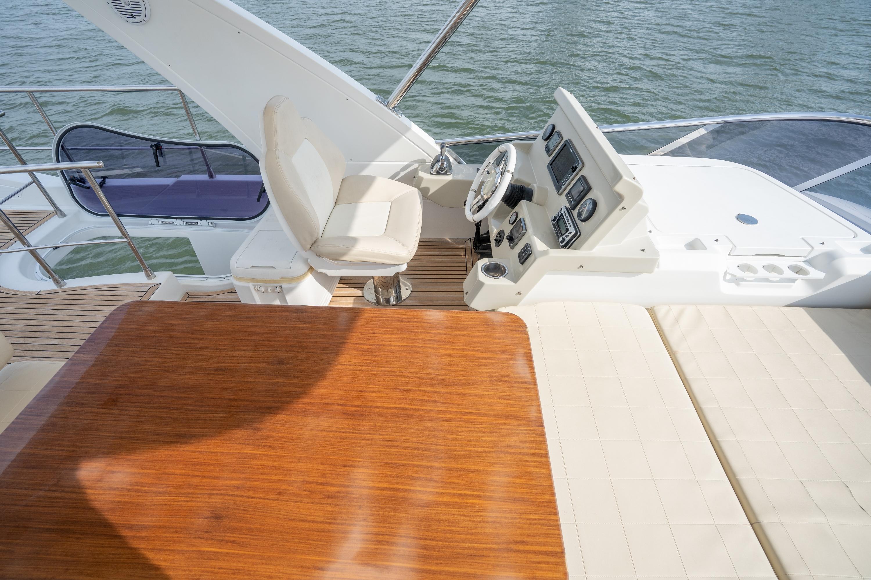 2015 Azimut 50 ''Isamar'' - Flybridge helm