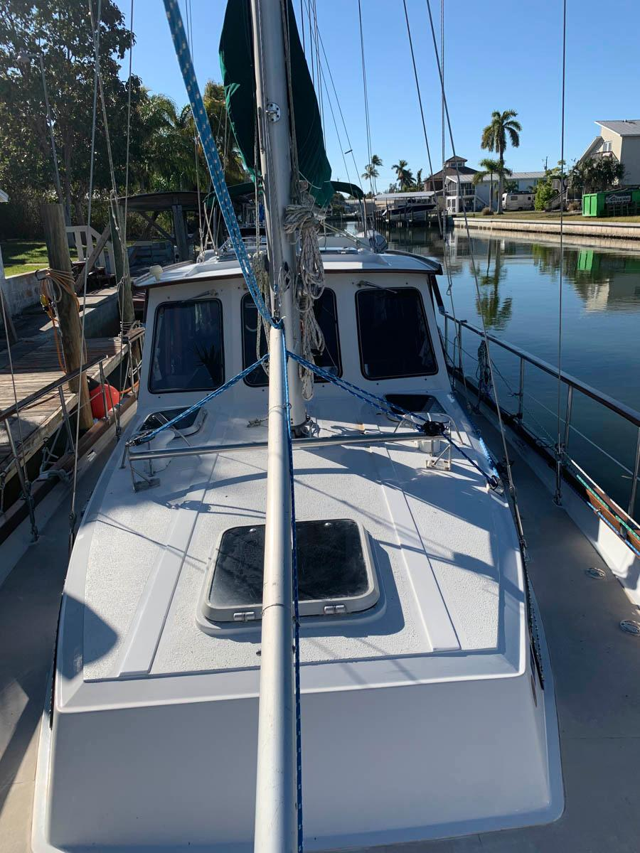 F 5956 SK Knot 10 Yacht Sales