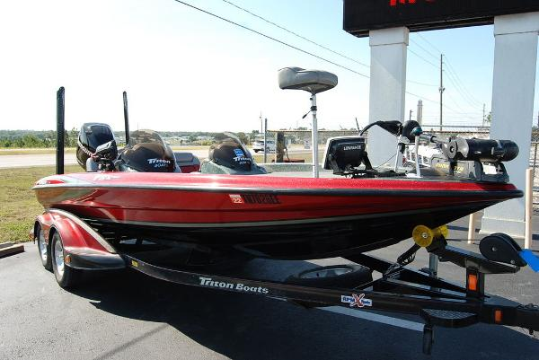 2006 Triton boat for sale, model of the boat is 20X & Image # 3 of 12