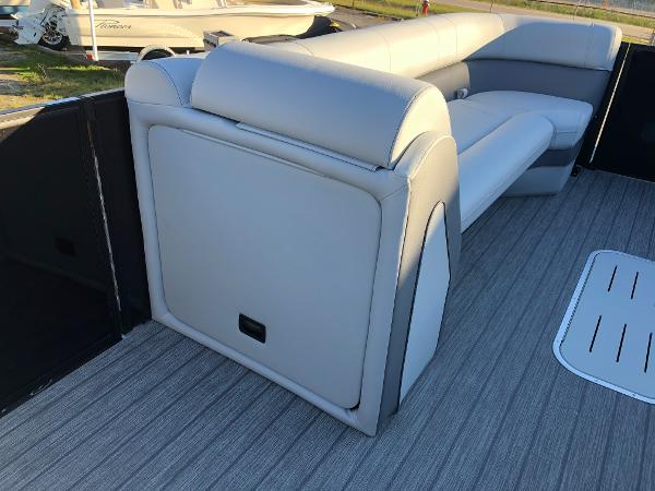 2021 Bentley boat for sale, model of the boat is Elite 253 Swing Back (Full Tube) & Image # 23 of 30