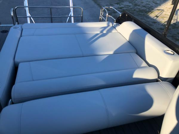2021 Bentley boat for sale, model of the boat is Elite 253 Swing Back (Full Tube) & Image # 27 of 30