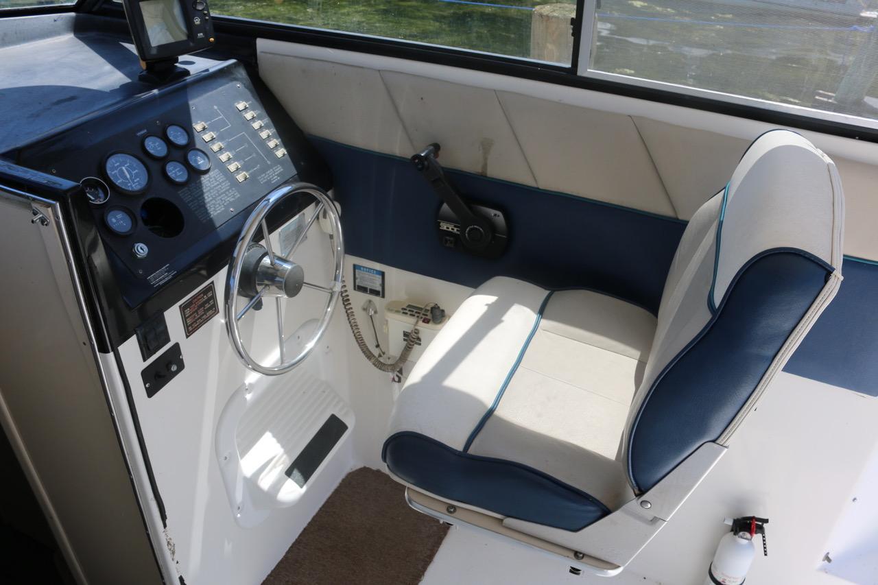 V 6516 BH Knot 10 Yacht Sales