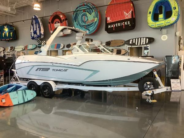 2021 MB Sports boat for sale, model of the boat is F22 Tomcat Alpha & Image # 7 of 11