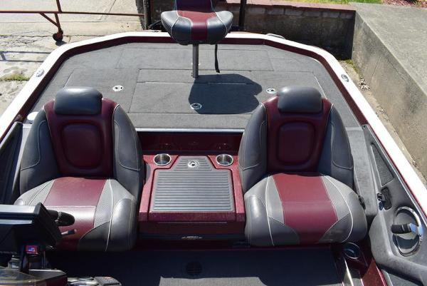 2017 Ranger Boats boat for sale, model of the boat is Z521C & Image # 16 of 69