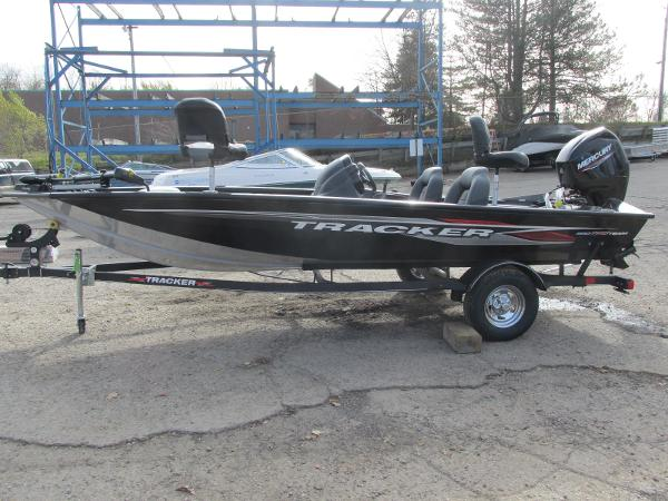 2021 Tracker Boats boat for sale, model of the boat is Pro Team 175 TXW & Image # 1 of 30