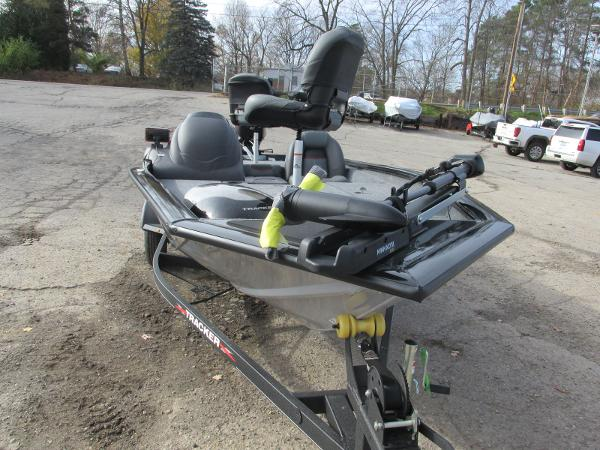 2021 Tracker Boats boat for sale, model of the boat is Pro Team 175 TXW & Image # 5 of 30