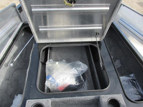 2021 Tracker Boats boat for sale, model of the boat is Pro Team 175 TXW & Image # 13 of 30