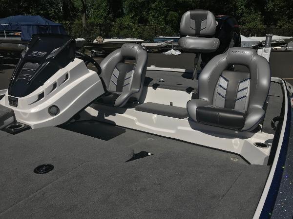 2020 Nitro boat for sale, model of the boat is Z19 & Image # 9 of 52