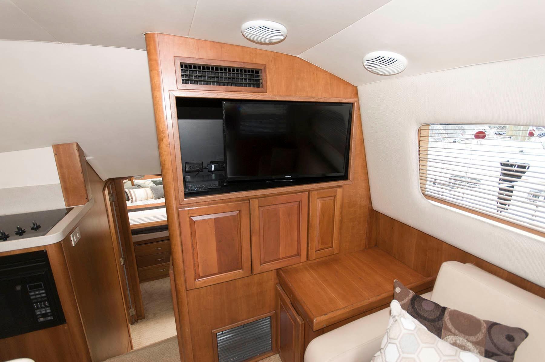 M 5357 PH Knot 10 Yacht Sales