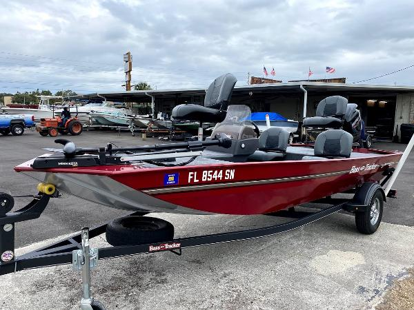 2020 Tracker Boats boat for sale, model of the boat is CLASSIC XL & Image # 3 of 16